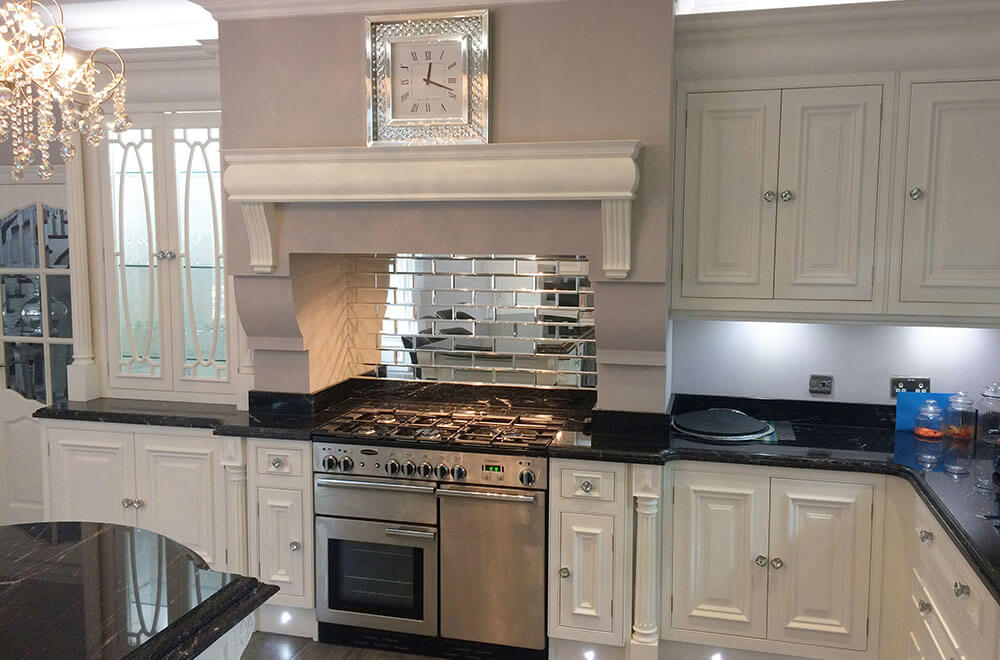 a-wI-kitchen-elegance-painted-oven