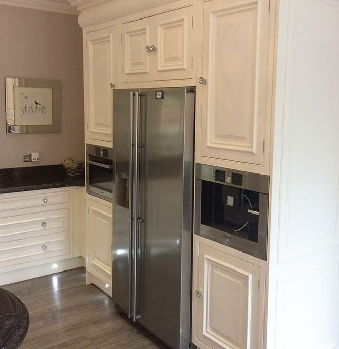 a-wi-kitchen-elegance-painted-oven-fridge-area2